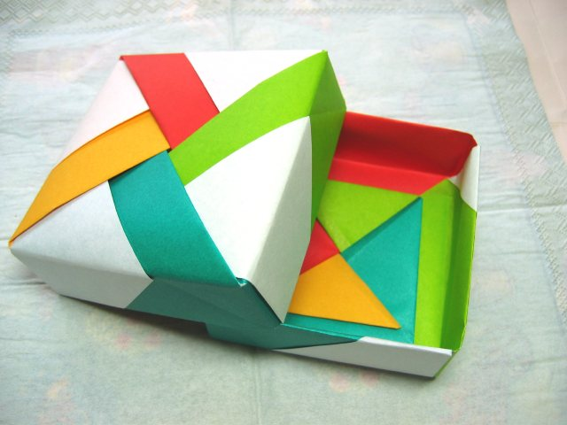 すべての折り紙 紙の箱の折り方 : 別の折り方の箱です。こちらの ...